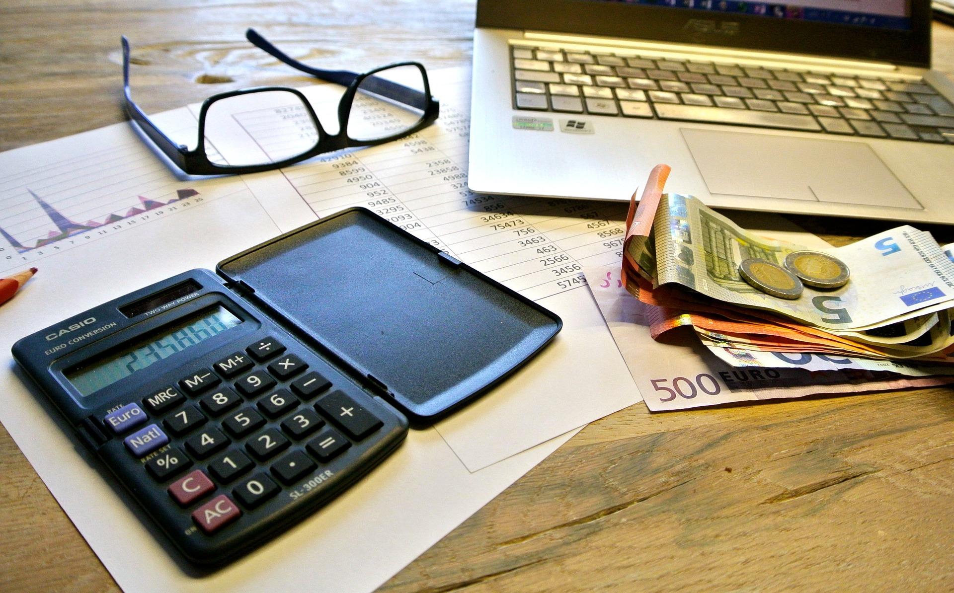Taxes 740202 1920