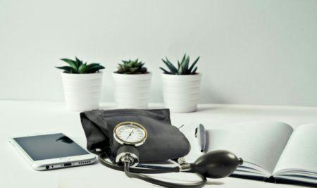 Exención de tributación en el IVA de los servicios sanitarios prestados mediante aplicaciones digitales